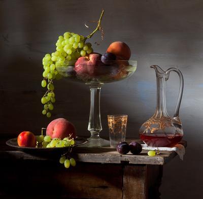Вино и фрукты