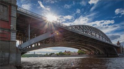 Новоандреевский мост... Москва река мост солнце