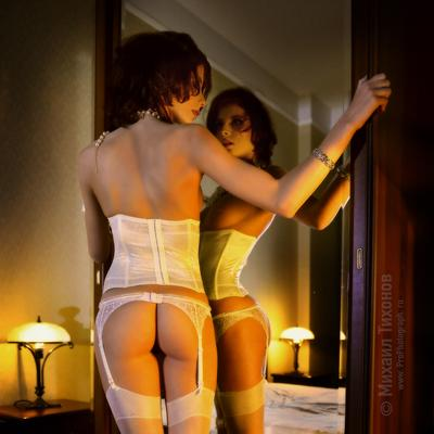 Alter ego девушка зеркало отражение взгляд эротика