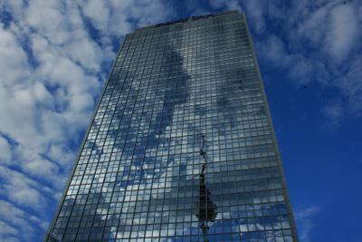 призрачно все... Берлин Здание Высотка Небо Окна