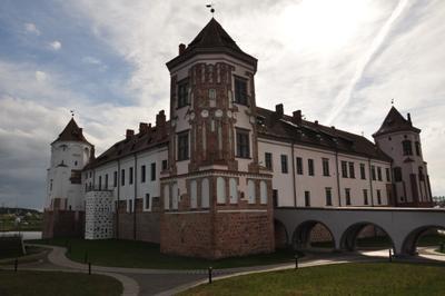 Замок Мирский замок природа небо музей