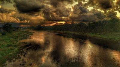 ... вот ещё один ушёл ... Кингиссеп мост река закат облака отражение