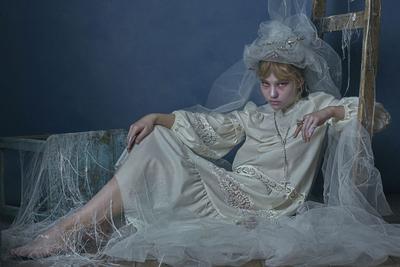 Fashion - Through the ages Fashion