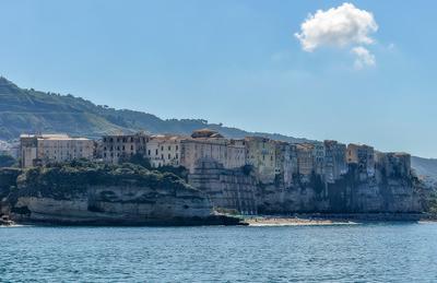*** Тропеа Италия море лето пейзаж природа побережье город скалы архитектура
