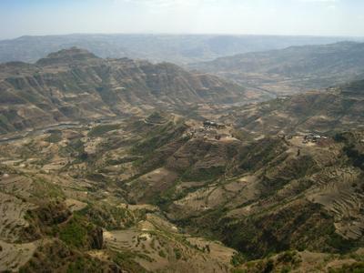 Живописный вид на Bulgra Canyon. Эфиопия храм церковь каньон