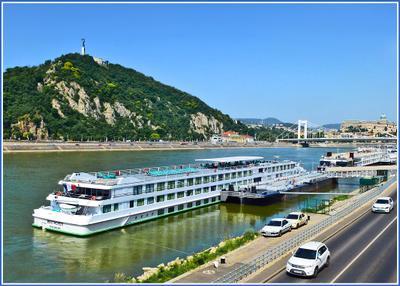 Париж на Дунае Венгрия Будапешт Budapest Пешт Дунай Danube Duna набережная теплоход дорога мост