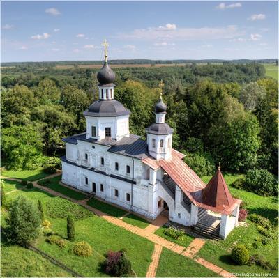 Смоленская церковь. Церковь Бородино небо поле бородинское