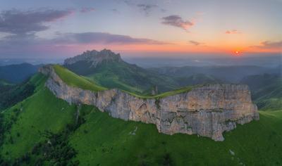 Тхачи на рассвете Западный кавказ малый и большой Тхач рассвет июнь