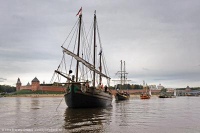 В историческом ландшафте Великий Новгород Волхов Кремль Детинец Парад Кораблей