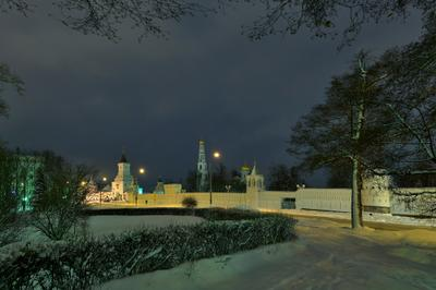 Поздний вечер. зима ночь монастырь