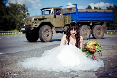 Я и друг мой грузовик невеста трэш свадьба trash the dress дорога грузовик авто
