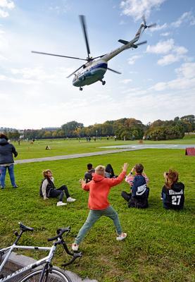 Улетевший вертолет. вертолет аэродром полет лопасти высота