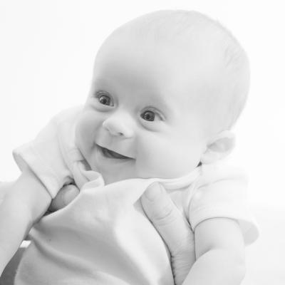Huxley ребенок, ЧБ, улыбка