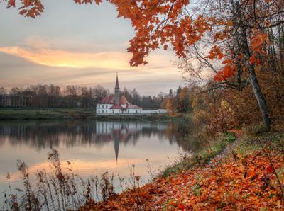 Приоратский дворец. октябрь