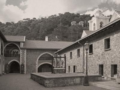 В Монастыре Киккос Кипр монастырь Киккос горы