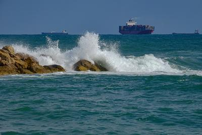 Море волнуется Хайфа море