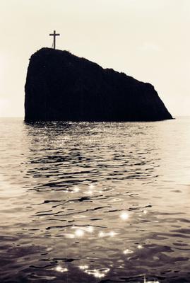 Крест Море скала крест солнце бухта Крым Севастополь