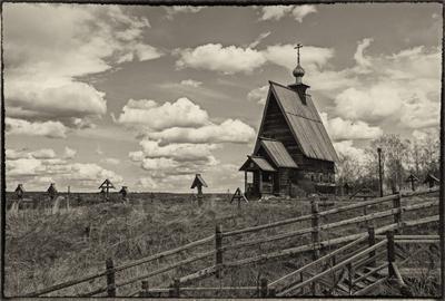 На горе Левитана старина церковь храм небо крест гора Левитан Плёс