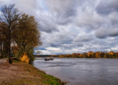 *** осень октябрь берег река