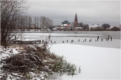 Великое. Начало зимы. Ярославская область Великое Великосельский кремль