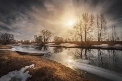 Воды вешние озеро горы лес природа закат рассвет красота приключения путешествие облака