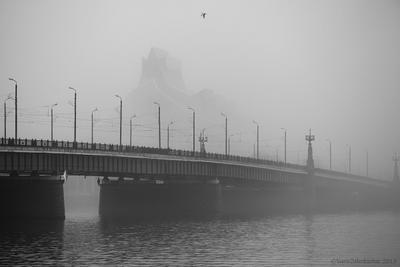 Fog Gaismas pils, Замок света, каменный мост