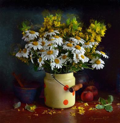 Ромашки и персики.*** chaparin.v.p бидончик натюрморт персики плошка ромашки цветы