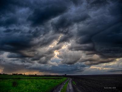 Кучево-дождевые облака. пейзаж облака ландшафт HDR