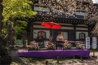 8 апреля - день рождения Будды в храме Хасе-дера музыканты храм Япония
