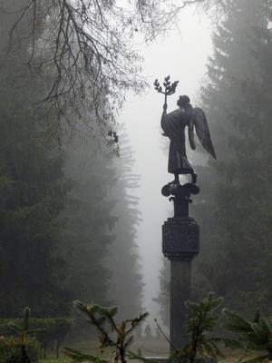 ...парковый Ангел...