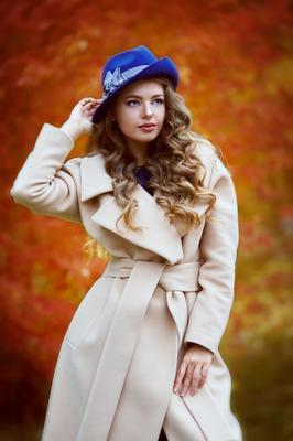 Осень красивая девушка осень портрет пальто красиваядевушка оранж