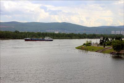 Подтопленная набережная Красноярска Енисей Красноярск набережная наводнение
