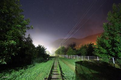 Старая железная дорога в Гуамке ночью Гуамка железная дорога ночь звёзды