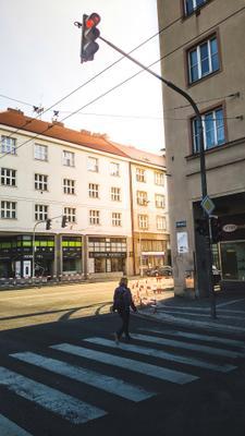 *** Город дом дома улица дорога светофор человек окна