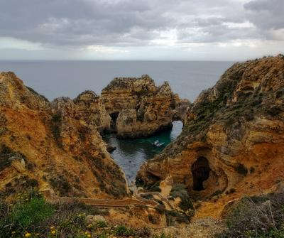 Бухта любви океан отдых Португалия