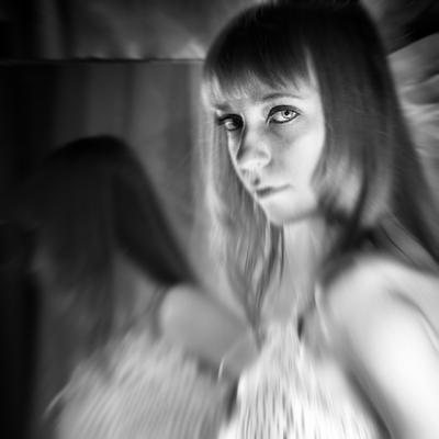 ... девушка, зеркало