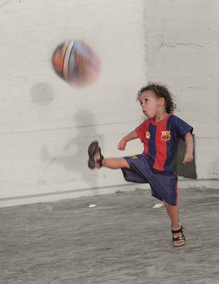 Чемпион ребенок спорт футбол мяч портрет красота