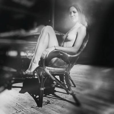 Eve (light) woman girls lights shadows nude summer sun