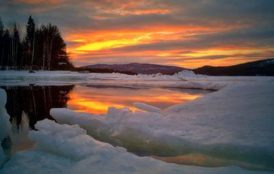 Вечер Белое море Мурманская область вечер лед весна закат