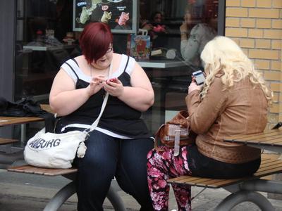 Телефонистки Телефон толстушки зависимость общение СМС