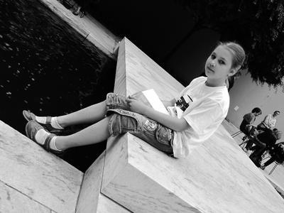 Подросли Нью-Йорк, внутренний дворик MoMA, подросли