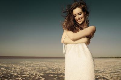 *** розовоеморе девушка море соль белоеплатье пейзаж