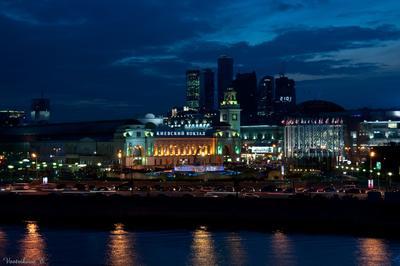 Киевский вокзал Москва, ночь, огни, река, Киевский вокзал