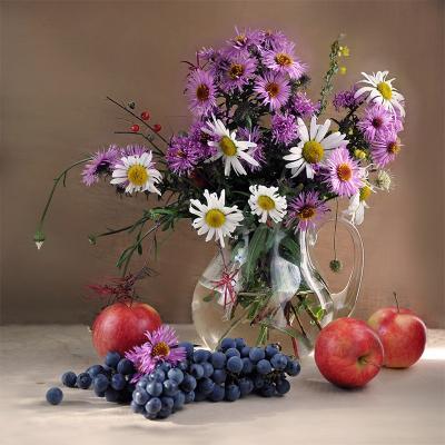 Букет цветы, яблоки, виноград, букет