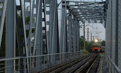 Мост мост, электропоезд
