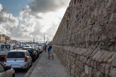 Вдоль стены в Акко
