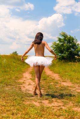 *** балет девушка природа