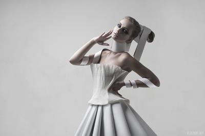 *** девушка бумага платье