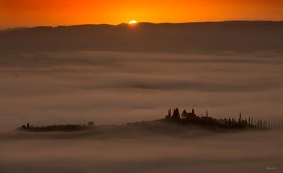 золотые туманы Тосканы рассвет солнце Тоскана туманы