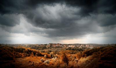 И небо и земля. природа непогода город осень пространство трава пейзаж тучи